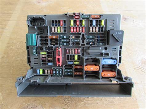 Bmw Z4 Fuse Box by Bmw Fuse Box Power Distribution Box Front 61149119447 E90
