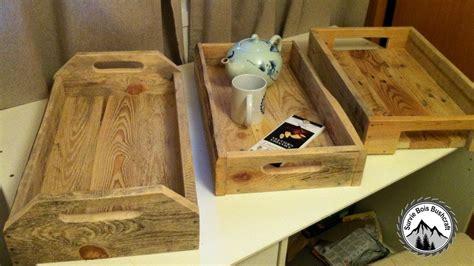 fabriquer le en bois fabrication d un plateau en bois de palettes projet en bois facile