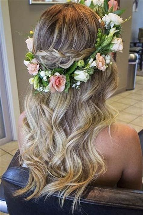 trendy wedding hairstyles  chic brides flower