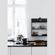 Schwarze Arbeitsplatte  Küche Minimalistische
