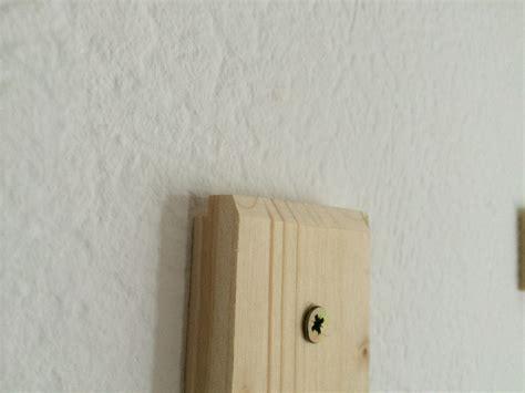 An Wand Befestigen by Ein Bild Oder Einen Spiegel Unsichtbar Befestigen Anleitung