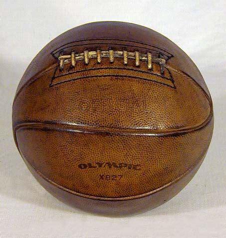 item      vintage laced basketball