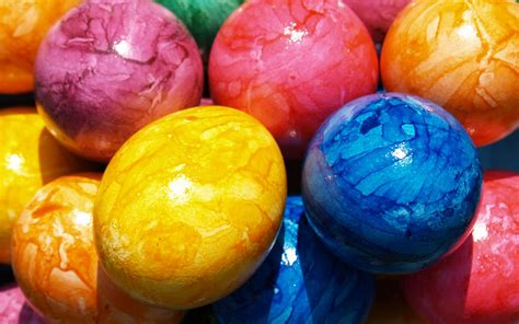 dying easter eggs dying easter eggs krups egg cooker helps make perfect sparkled marbled and naturally dyed eggs