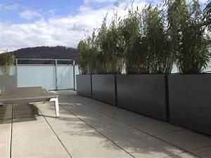 jardiniere design en fibre ciment brise vue vert sur le With amenagement terrasse exterieure appartement 5 bambou en pot brise vue naturel et deco sur la terrasse