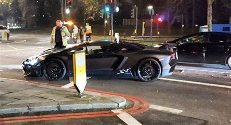 lamborghini aventador sv roadster matte black matte black lamborghini aventador sv roadster crashes in london w video carscoops