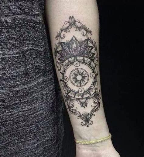 Tatouage Boussole Mandala