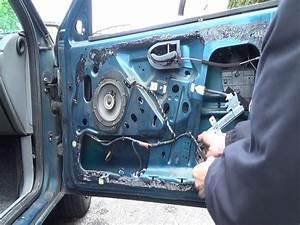 Cambiare / sostituire un meccanismo alzavetro elettrico