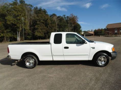 Sell Used 2004 Ford F-150 Pickup Xlt Extended Cab 4-door