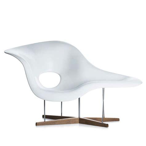 chaise design eames la chaise vitra