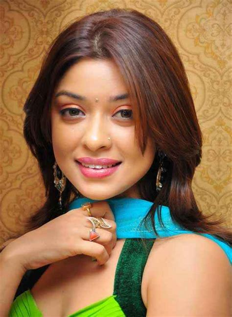 patel ki punjabi shaadi payal ghosh wallpaper stills      songsuno
