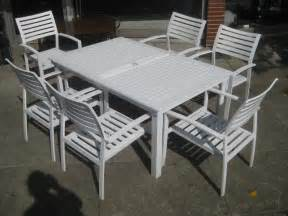 white metal garden table and chairs clean modern office