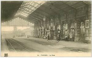 Tourniquet Carte Postale : 65 tarbes la gare 1915 vendeuse de cartes postales sur tourniquet ~ Teatrodelosmanantiales.com Idées de Décoration