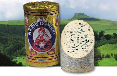 fourme a pate pressee fourme d ambert aop fromagerie laqueuille