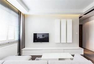 Fernseher In Weiß : minimalistische wohnzimmereinrichtung in wei tv wand pinterest wohnzimmer fernseher en sofa ~ Frokenaadalensverden.com Haus und Dekorationen
