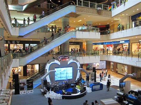 amazing grand indonesia mall local  daytrips