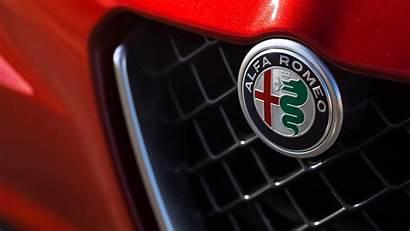 Alfa Romeo Giulia Quadrifoglio Badge Grille 1920