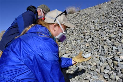 geologists discover naturally occurring asbestos fibers