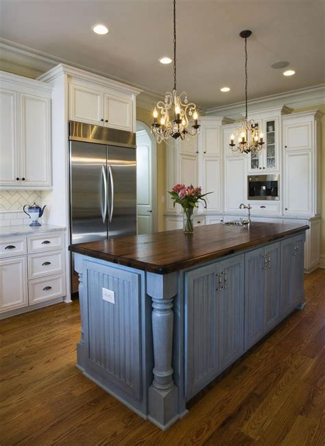 cottage style kitchen island best 25 country cottage kitchens ideas on