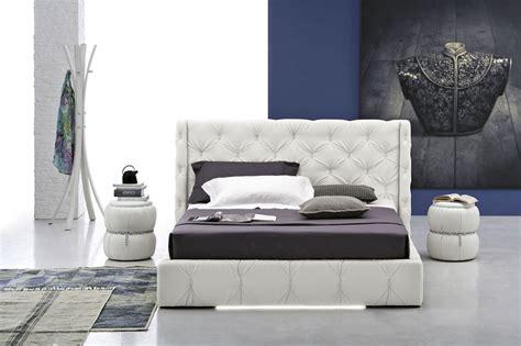 comodini piccole dimensioni comodini per piccole camere da letto