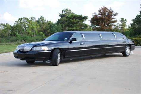 Town Car Limousine Service by Stretch Limos Limo Rentals Save Up To 20 Limousines