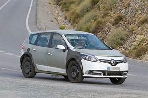 Renault Laguna 2017 : spyshots 2017 renault scenic test mule previews much wider body autoevolution ~ Gottalentnigeria.com Avis de Voitures