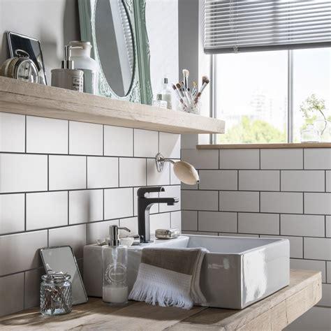 carrelage cuisine metro blanc cuisine avec carrelage metro 14 fa239ence mur blanc