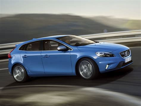 volvo 2019 v40 2019 volvo v40 r design car photos catalog 2019