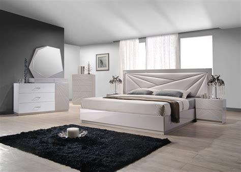 Modern Wood Bedroom Furniture by Unique Wood Modern Furniture Design Set With Spain Design