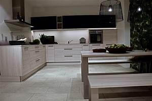 Arbeitsplatte Küche Schwarz : l k che nolte lack schwarz softmatt kiruna birke k chenpreis sofort ~ Markanthonyermac.com Haus und Dekorationen