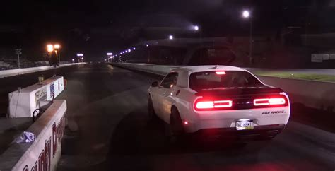 Dodge Challenger Hellcat Shows Off Muscles With Record