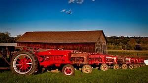 Bright red Farmall tractors Full HD Wallpaper and ...