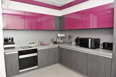 a splash of color 13 colorful kitchen design ideas