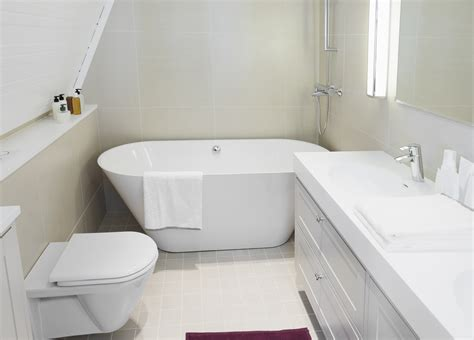 Small Bathtubs With Shower - small bathroom remodeling redecorating tips