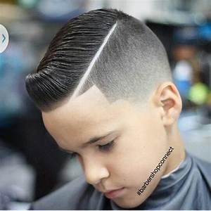 20 magnifiques modeles de coiffures pour votre garcon for Couleur pour bebe garcon 6 les coiffures pour enfants tendance en 57 photos