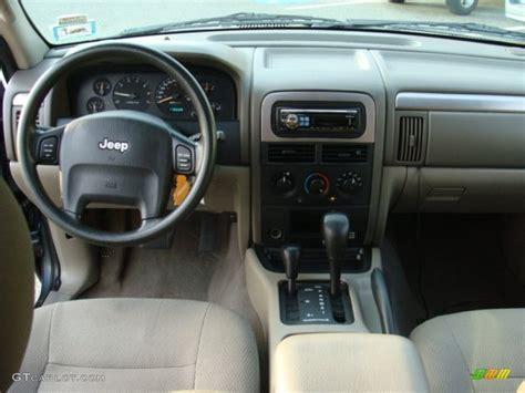 jeep grand cherokee dashboard 2004 jeep grand cherokee laredo 4x4 sandstone dashboard