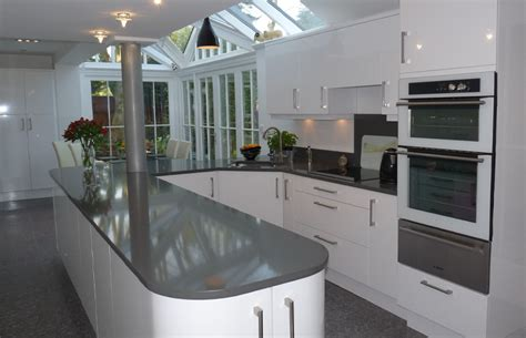 Check Out The Latest Styles For Designing Your Kitchen