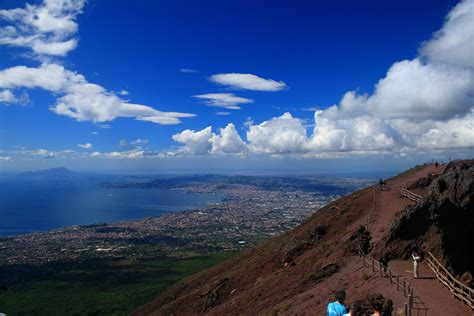 vesuvius view  summit justin ennis flickr