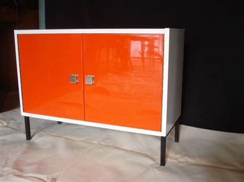 meuble bas orange 70 s vendu lu bee