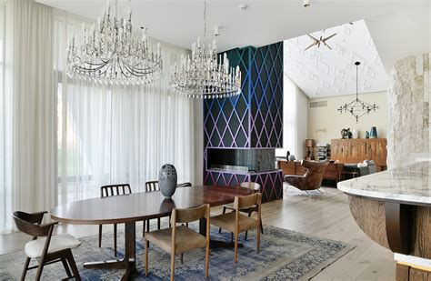 Wohnzimmer Einrichten Vintage by An Eclectic Moscow Home Showcases Color And Creative Style