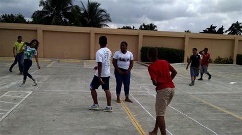 Estos son algunos de los juegos más destacados en nuestro país: Juegos favoritos de los jóvenes dominicanos - YouTube