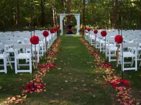 outdoor wedding aisle decor outdoor wedding romanceishope