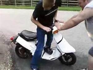Moped 50ccm Yamaha : 50cc yamaha scooter on nitrous youtube ~ Jslefanu.com Haus und Dekorationen