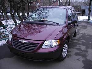 2002 Chrysler Voyager Pictures