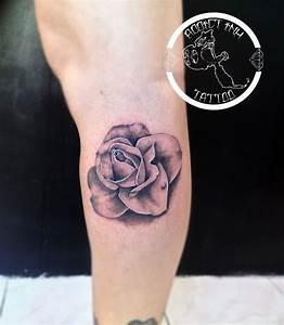 Tatouage De Rose : tatouage rose fleur realiste noir et gris addict ink ~ Melissatoandfro.com Idées de Décoration