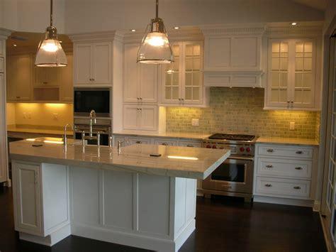 pvc mural cuisine cuisine lambris pvc cuisine avec beige couleur lambris pvc