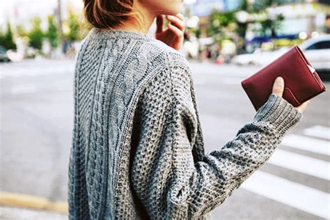 Womens Oversized Chunky Cable Knit Sweater