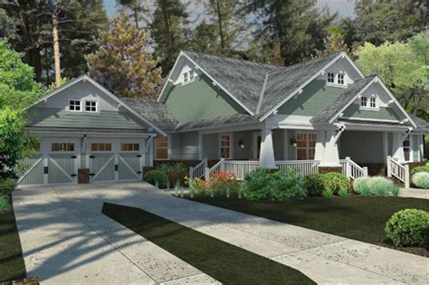 craftsman house plan    bed  bath  sq ft