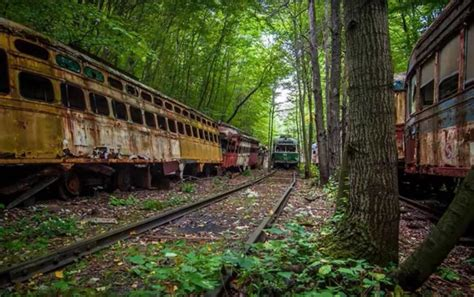 There's An Abandoned Train Graveyard In Saluda North Carolina