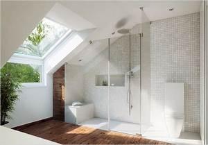 Was Kostet Ein Dachausbau : badezimmer dachschr ge dachgeschoss ideen pinterest ~ Lizthompson.info Haus und Dekorationen