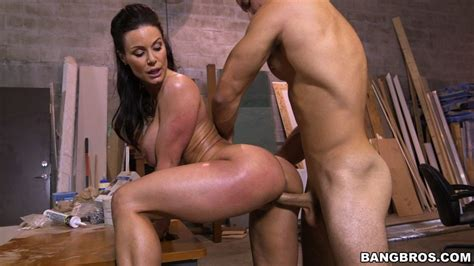 Busty Cock Hungry Milf Kendra Lust Gets Her Tight Twat